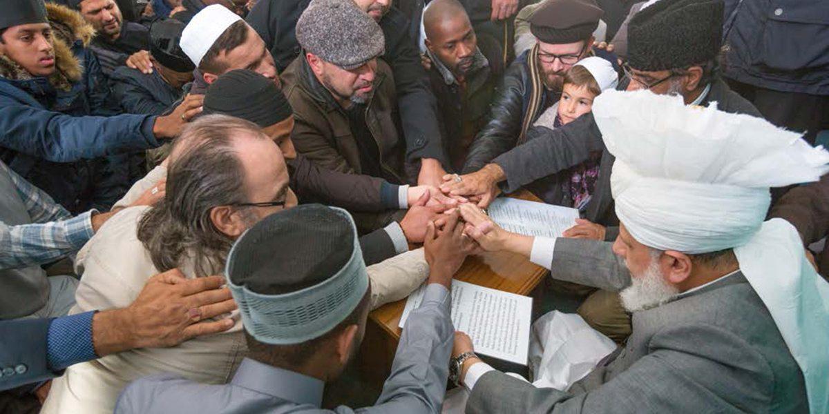konvertimet ne Islam al ahmedia