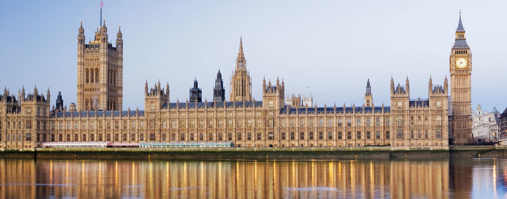 Fjalimi i Kalifit të Xhematit Ahmedia në Parlamentin Britanik | Islami është fe e paqes dhe e dhembshurisë