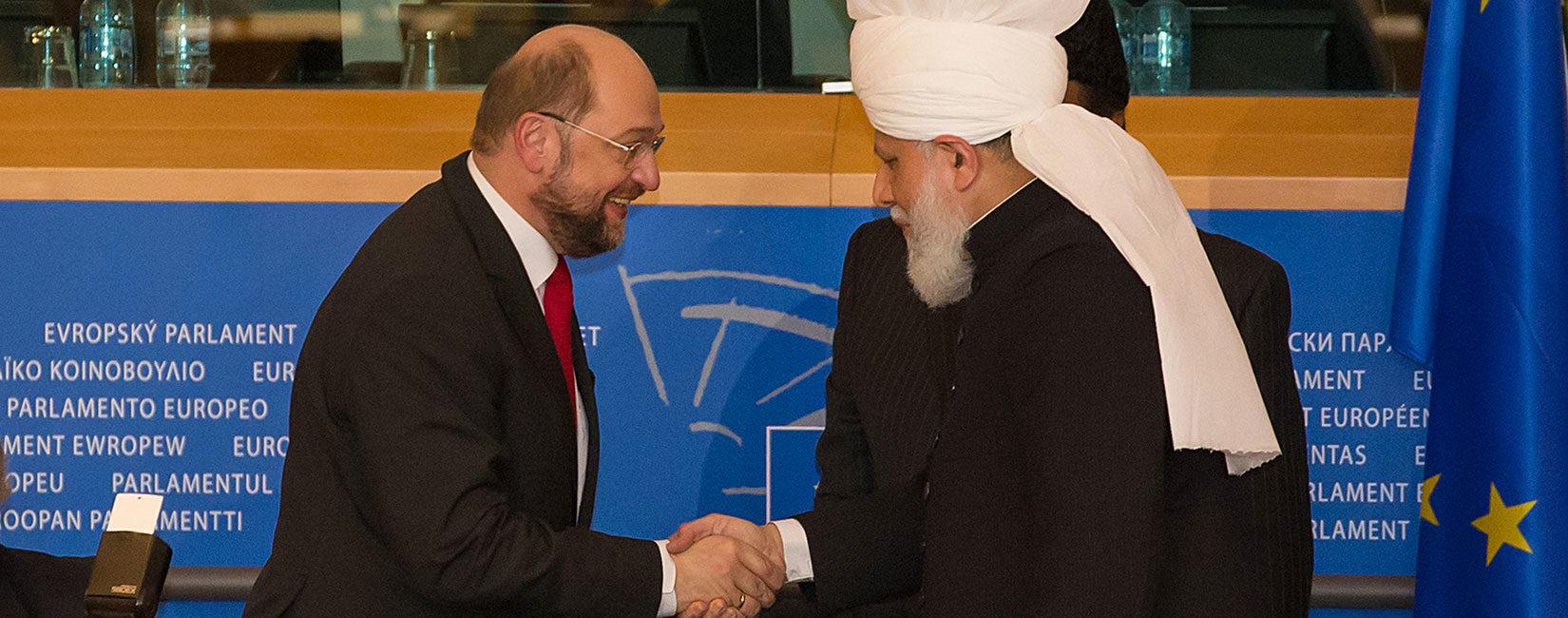 Fjalimi i Kalifit të Xhematit Ahmedia në Parlamentin Evropian | Bashkimi global është çelësi i paqes