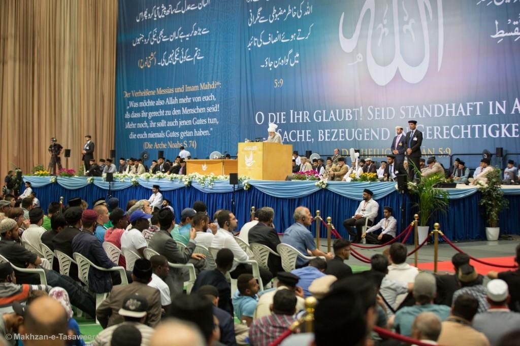 2015-06-06-DE-Jalsa-Non-Ahmadi-Guests-037