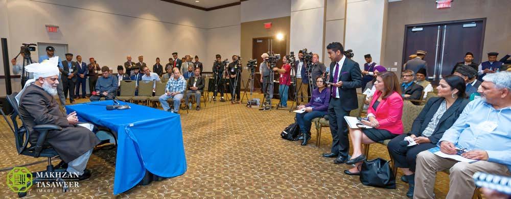 2016-10-07-ca-press-conference-003