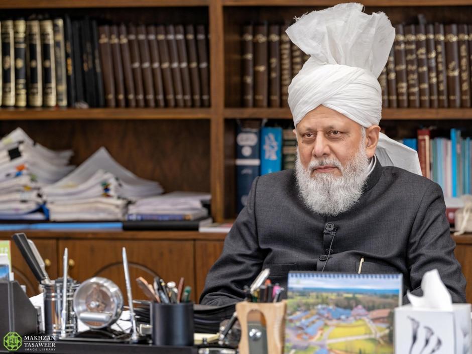 Германиядагы мусулман миссионерлердин Халифа менен жолугушуусулушту